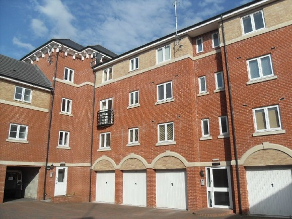 2 Bedrooms Flat for sale in 164 Padstow Road, Swindon