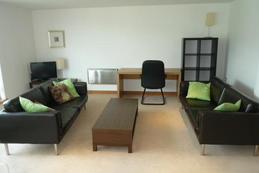 2 Bedrooms Apartment Flat for sale in Salts Mill Road, Shipley
