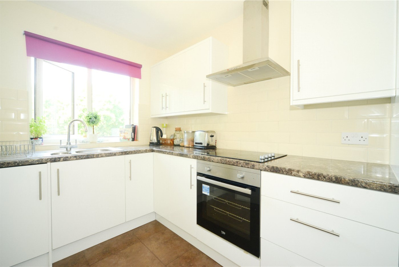 Flat/apartment to rent in Crystal Palace - Lancaster Road, South Norwood, London, SE25