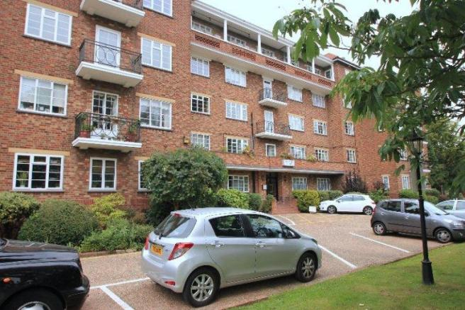 Flat/apartment to rent in Hendon - Thurlby Croft, Mulberry Close, Hendon, NW4