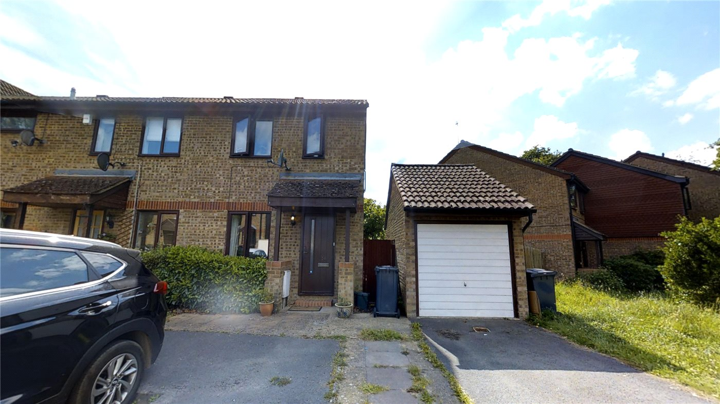 2 Bedroom Property For Sale In Hanson Close Guildford