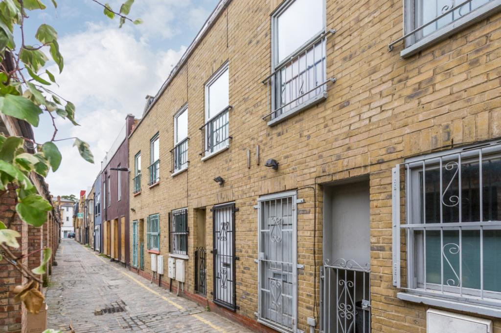 2 bedroom property for sale in voss street shoreditch london e2 625 000. Black Bedroom Furniture Sets. Home Design Ideas