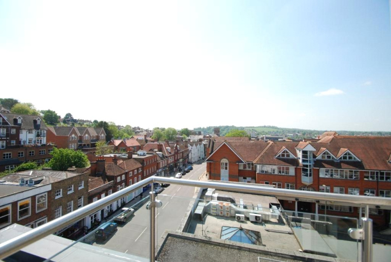 Flat/apartment for sale in Guildford - Eastgate House, 223 High Street, Guildford, GU1