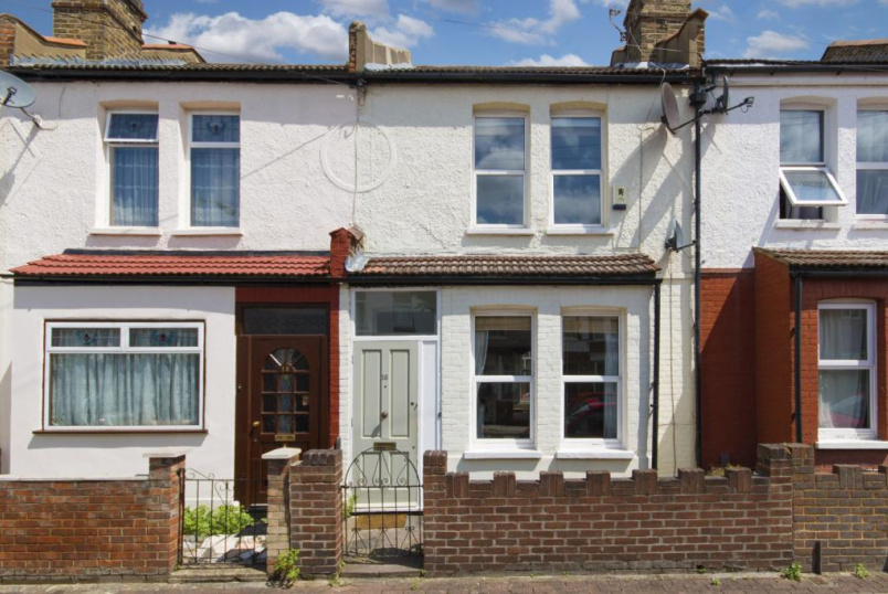 House to rent in Tooting - Kenlor Road, London, SW17