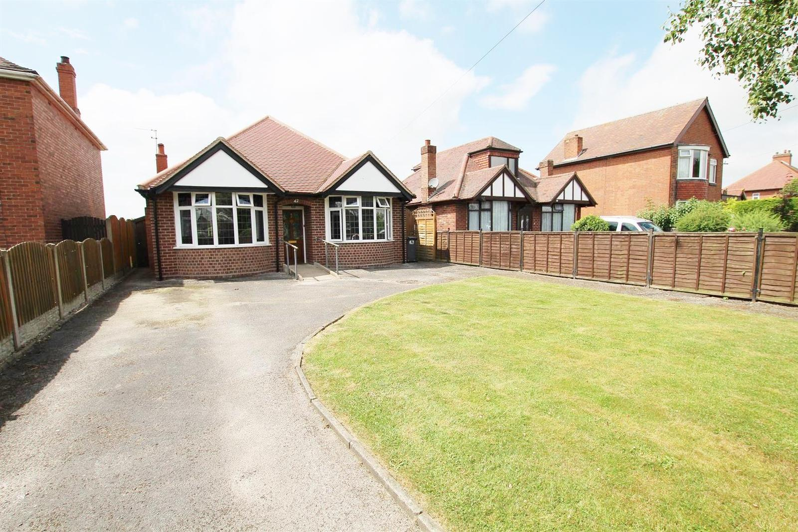 3 Bedrooms Bungalow for sale in Postern Road, Tatenhill
