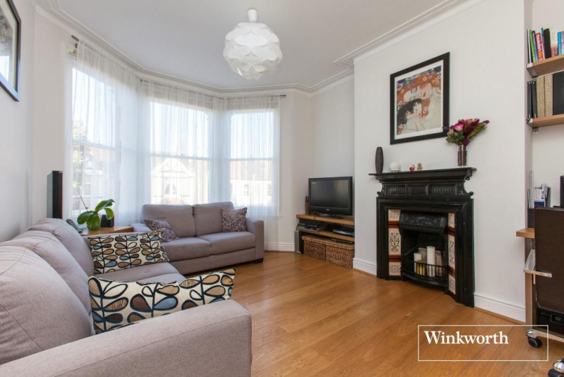 Flat/apartment to rent in Palmers Green - Eaton Park Road, London, N13