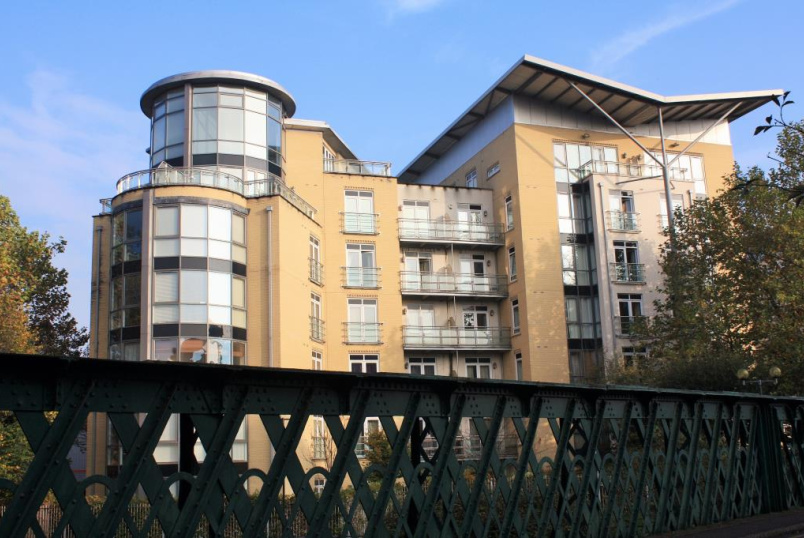 Flat/apartment to rent in Reading - The Meridian, Kenavon Drive, Reading, RG1