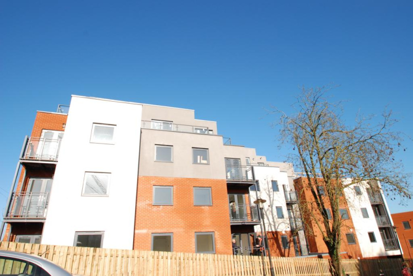 Flat/apartment to rent in Guildford - King Edwards Court, Walnut Tree Close, Guildford, GU1