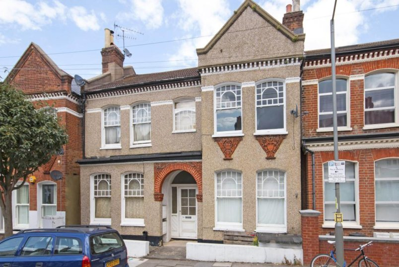 Flat/apartment to rent in Tooting - Foulser Road, London, SW17