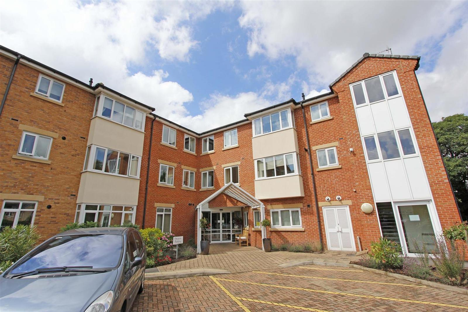 1 Bedroom Property for sale in Browning Court, Bourne