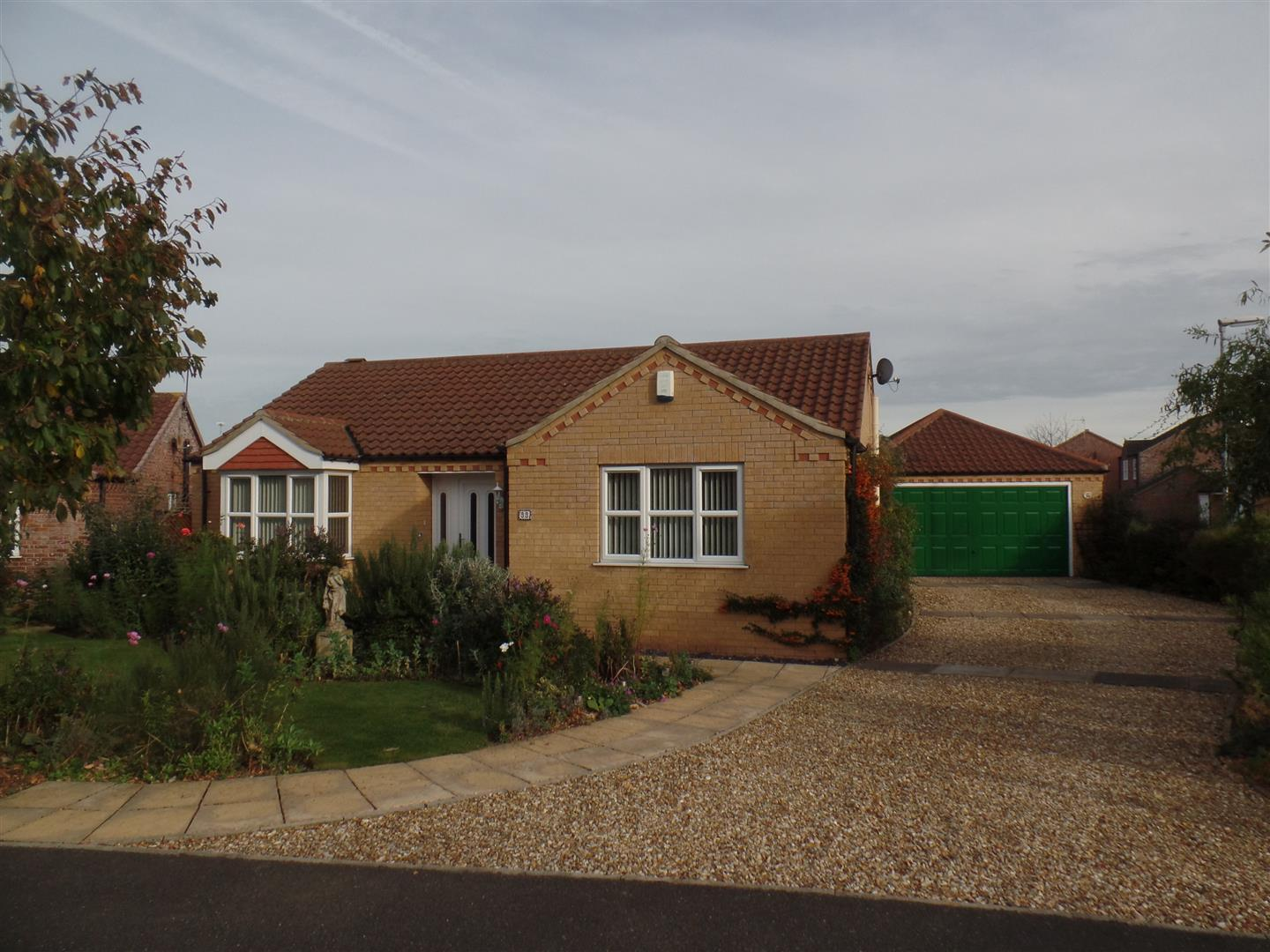 3 Bedrooms Property for sale in Headland Way, Navenby, Lincoln