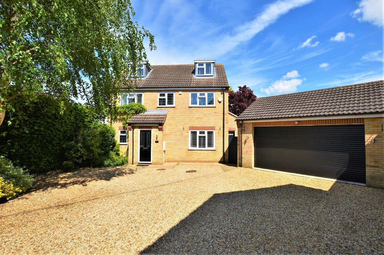 5 Bedrooms Property for sale in Sweetbriar, Stamford