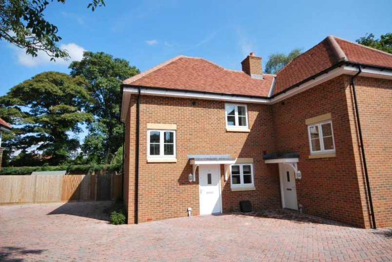 House to rent in Winchester - Ashwood Court, Winchester, Hampshire, SO22