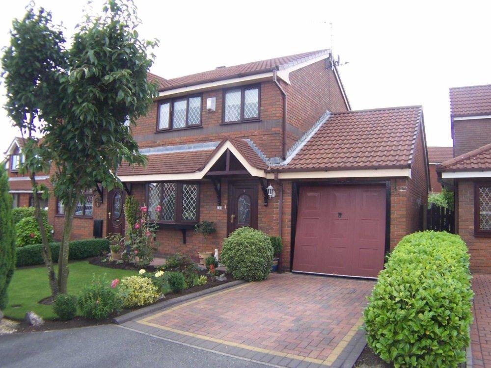 big sale 44900 2dab5 3 bedroom property for sale in Larkfield Close, Ashton-under ...