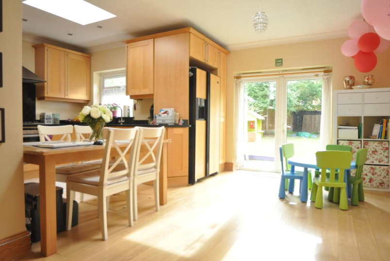 House to rent in Palmers Green - Wolves Lane, London, N13