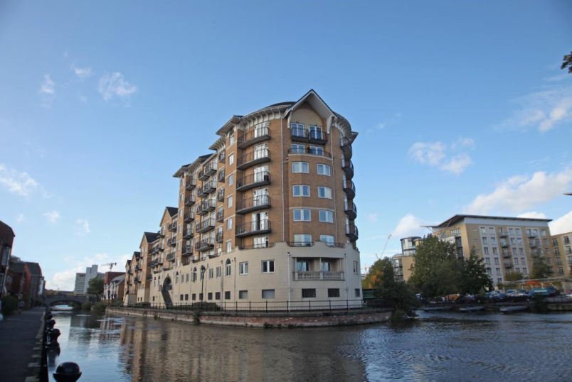 Flat/apartment to let - Blakes Quay, Gas Works Road, Reading, RG1