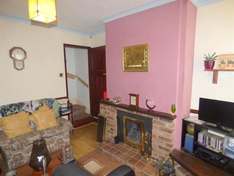 2 bedroom property for sale in Bolsover Street, Mansfield - £69,950
