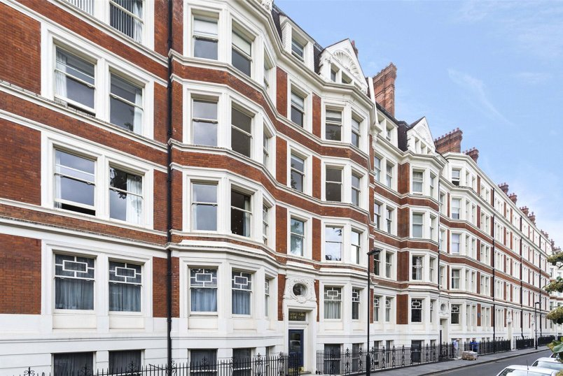 Flat/apartment for sale - Ridgmount Gardens, London, WC1E