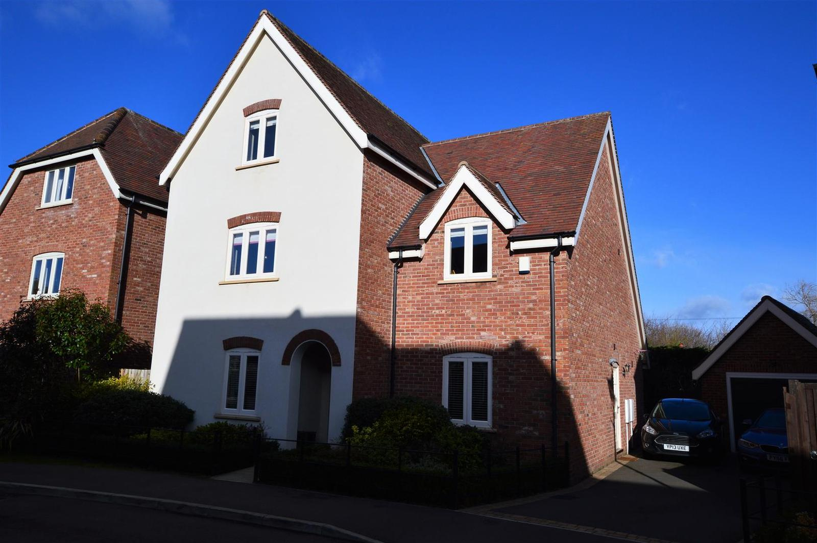 5 Bedrooms Property for sale in Chaveney Walk, Quorn, Loughborough