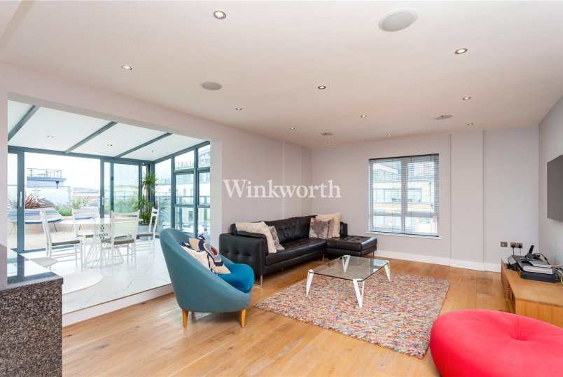 Flat/apartment for sale - Curtiss House, 27 Heritage Avenue, London, NW9