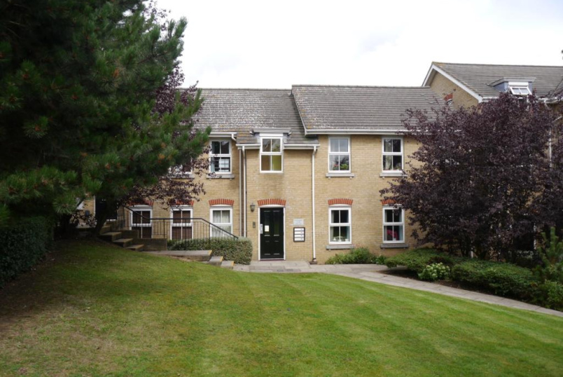 Flat/apartment to rent in Barnet - Huntingdon Court, 24 Tapster Street, High Barnet, EN5