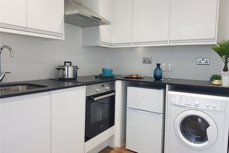 Flat/apartment to let - Elmgrove Road, Harrow, HA1