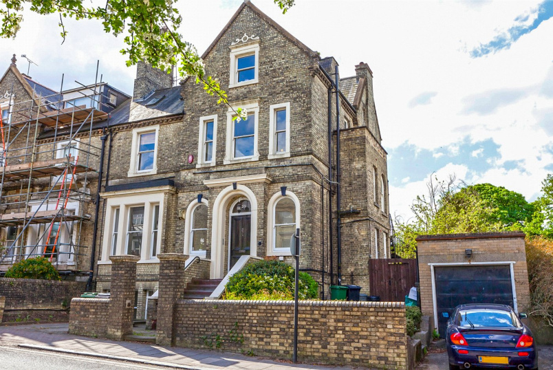 House for sale in Highgate - Hampstead Lane, London, N6