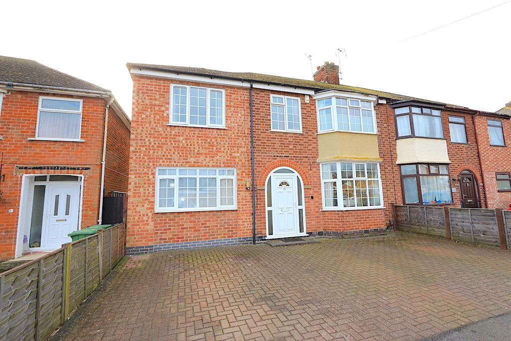 5 Bedrooms Detached House for sale in Radford Drive, Leicester