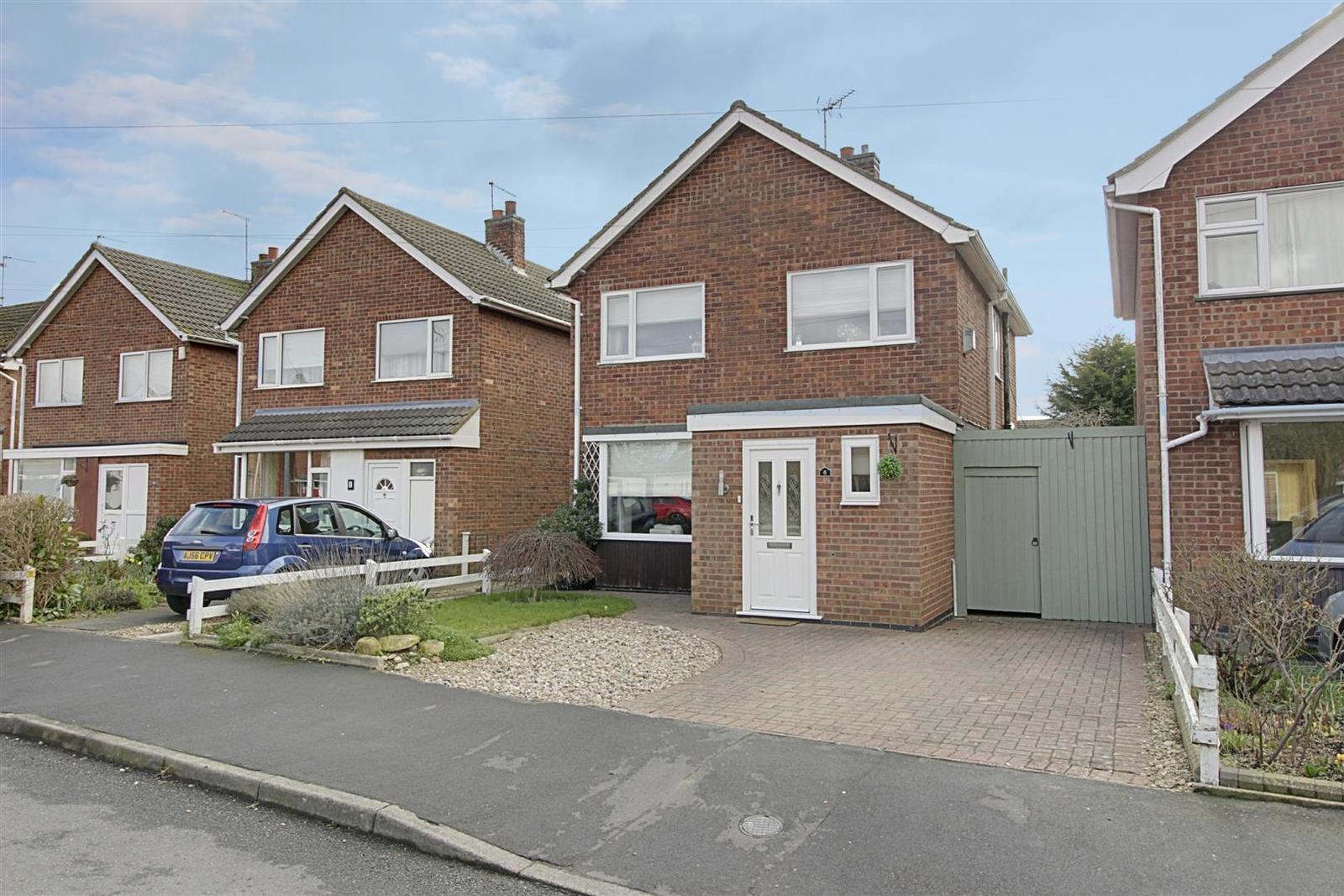 3 Bedrooms Property for sale in 6 Elm Crescent, Glinton