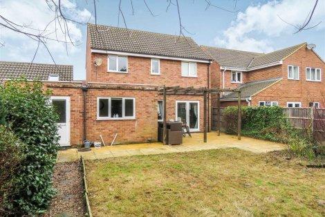 Elegant Properties For Sale Between £250,000 And £350,000 In Colne, Cambridgeshire