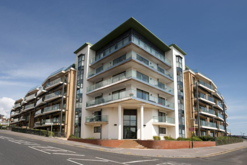 Flat/apartment for sale - The Point, Marina Close, Bournemouth, BH5