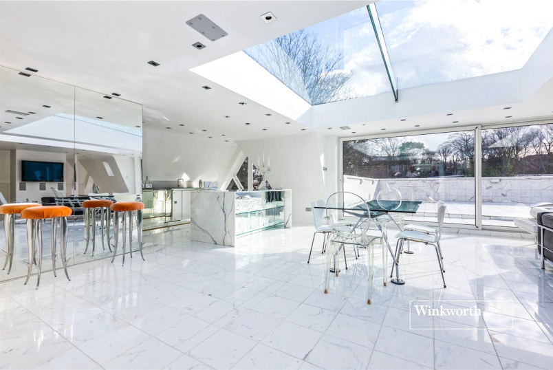 Penthouse for sale in  - Standard Apartments, Crescent Road, London, N8