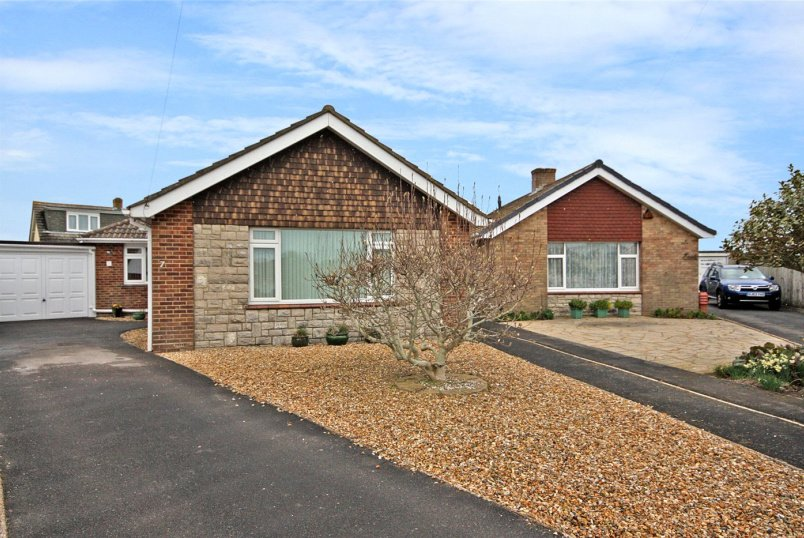 Bungalow for sale in Southbourne - Kingsley Close, Bournemouth, Dorset, BH6