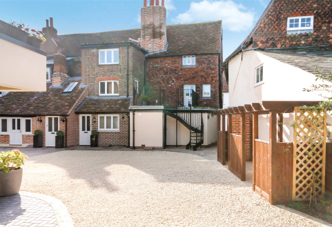 Mullins Court, Church Street, Dorking, RH4