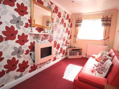 4 bedroom property for sale in Harewood Avenue, Kirk Sandall ...