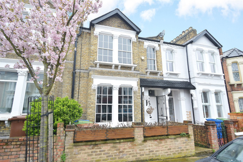 House for sale - Rosenthorpe Road, Nunhead, SE15
