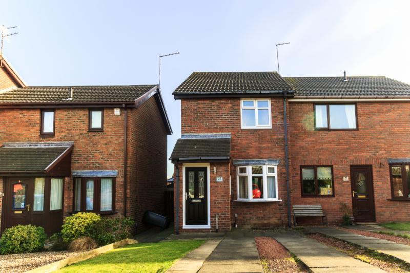 2 Bedroom House For Sale In Stuart Court Kingston Park Newcastle Upon Tyne Ne3 Rettie Co