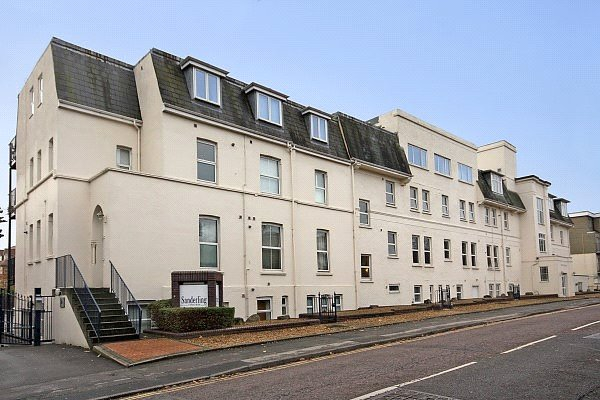 Flat/apartment to let - Sanderling, 3 Owls Road, Bournemouth, BH5