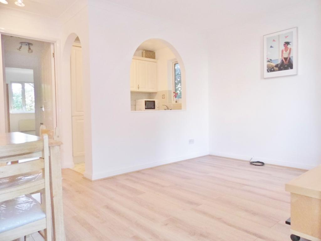 2 Bedroom Property To Rent In Dorset Mews Finchley N3