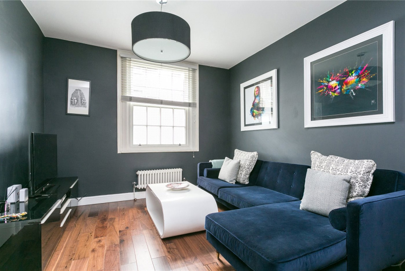 Maisonette for sale - Mount Terrace, London, E1