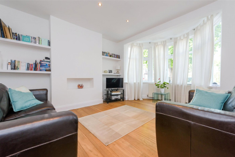 House for sale in Willesden Green - Park Avenue North, London, NW10