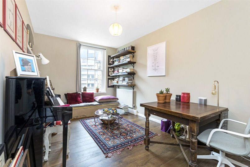 Flat/apartment for sale in Clerkenwell & City - Buckridge Building, Bourne Estate, London, EC1N