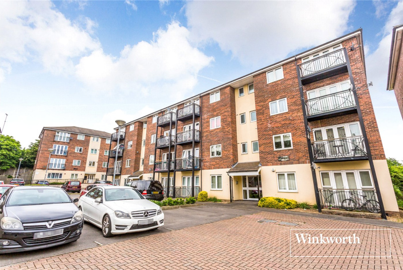 Flat/apartment for sale in Finchley - Heaton Court, 14 Denham Road, Whetstone, N20