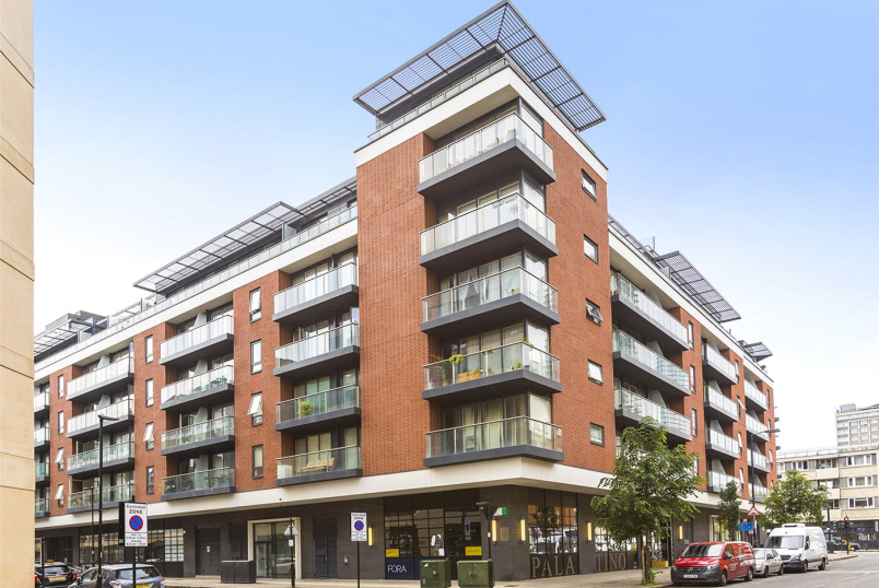 Flat/apartment for sale in Clerkenwell & City - Worcester Point, Central Street, London, EC1V