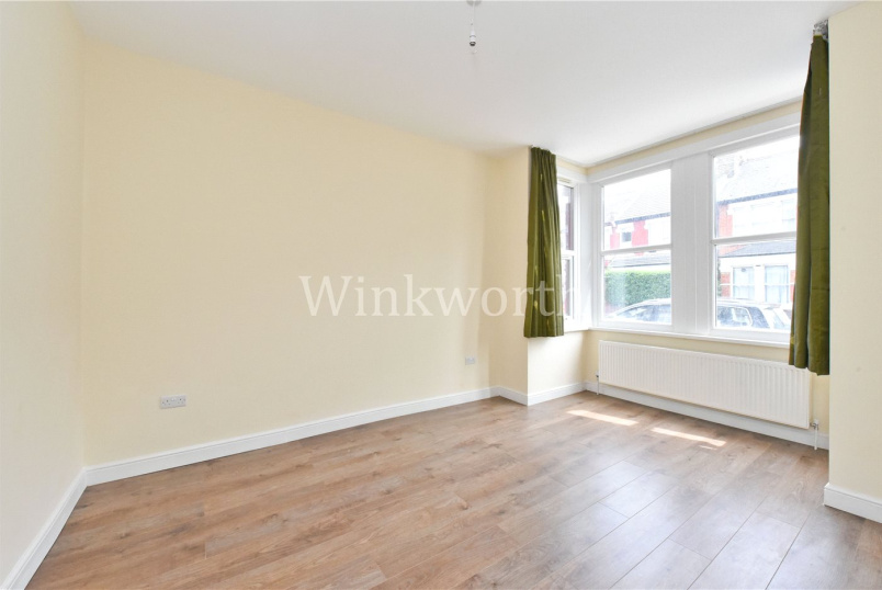House to let - Westbury Avenue, London, N22