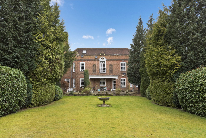 Flat/apartment for sale - Forest Hills, 52 Rosslyn Park, Weybridge, KT13
