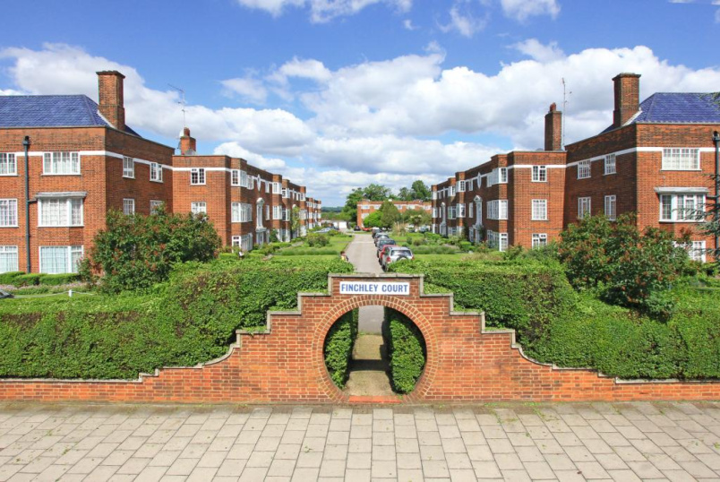 Flat/apartment to let - Finchley Court, Finchley, N3