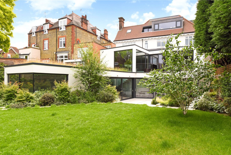 House to let - Chartfield Avenue, London, SW15