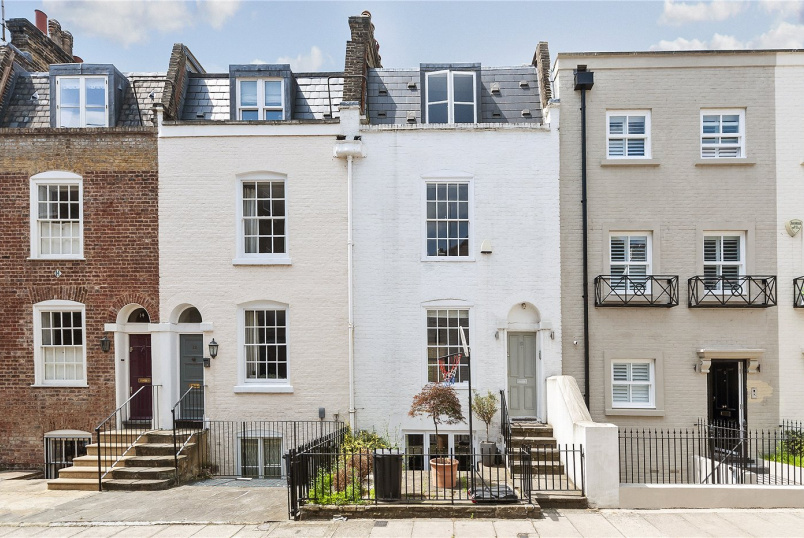 House new instruction - South End Row, London, W8