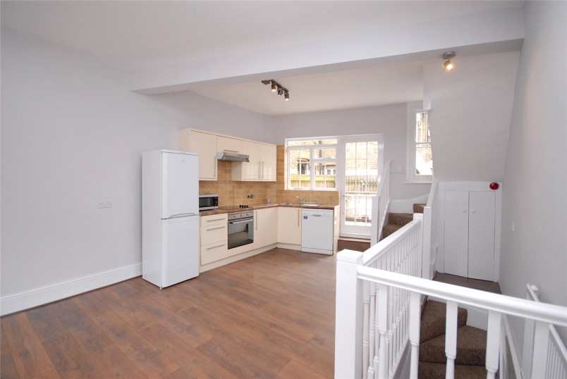 Flat/apartment to let - Montpelier Vale, Blackheath, SE3